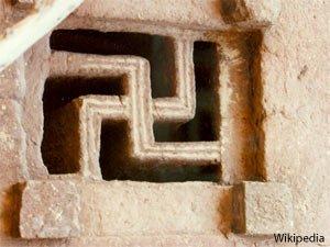 simbolo svastica catacombe roma